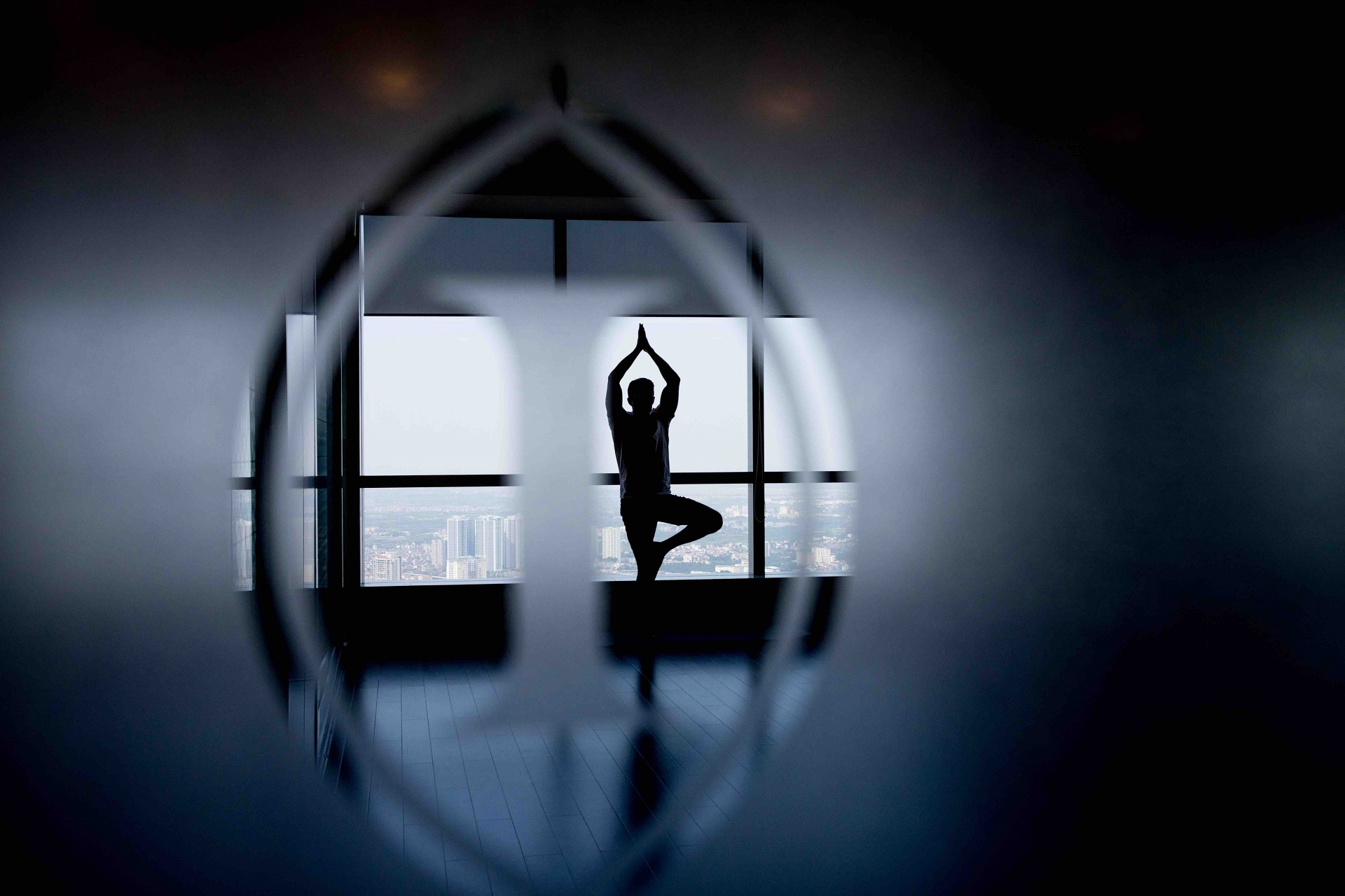 yoga session at InterContinental Hamoi Landmark72