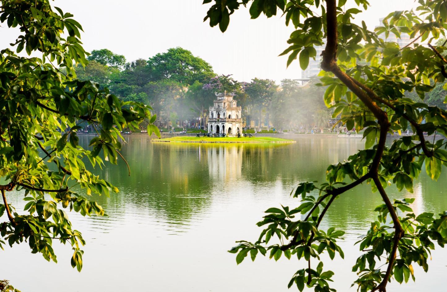 Hoan Kiem lake, best place to visit in Hanoi
