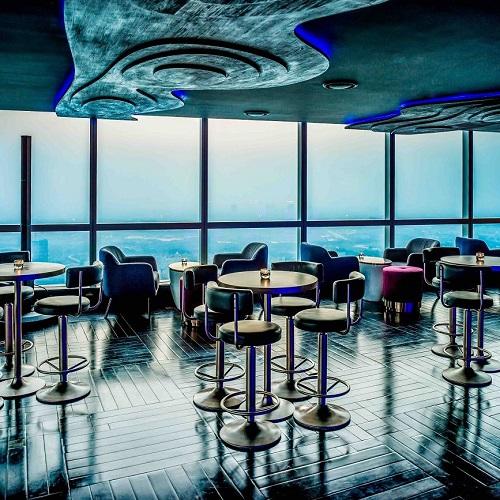 quán bar cocktail với tầm nhìn toàn cảnh thành phố tại khách sạn 5 sao intercontinental hanoi landmark72 sang trọng tại hà nội
