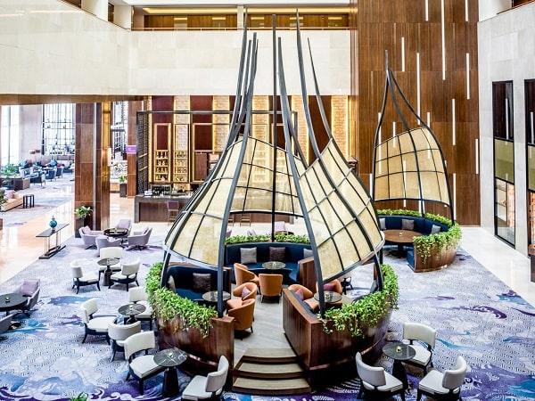 Sảnh Hive Lounge trong khách sạn tại Hà Nội