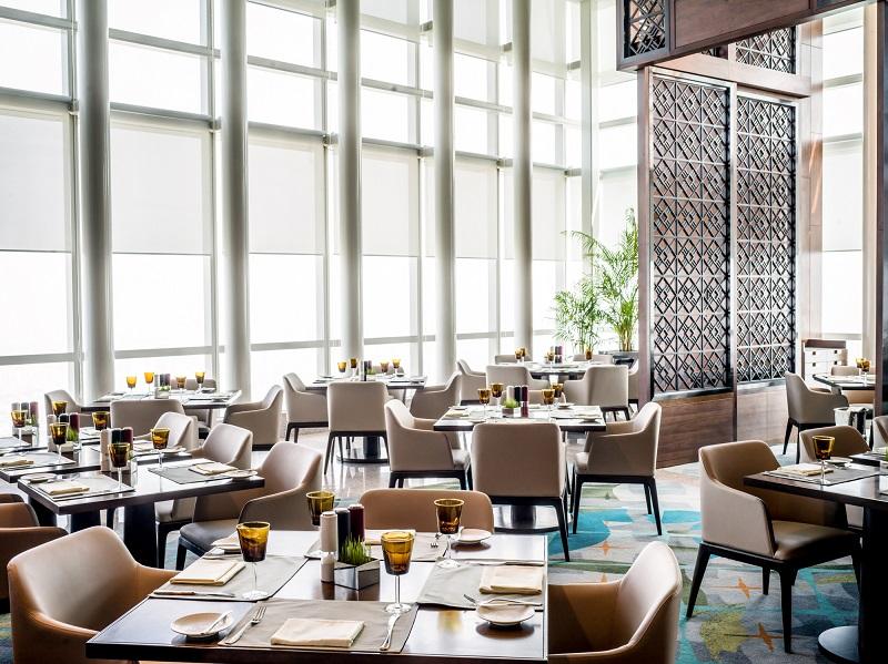 luxury restaurant at hanoi city hotel