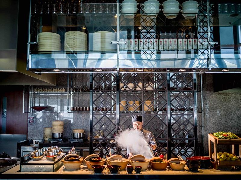 restaurant for family and groups of friends at luxury restaurant in intercontinental hanoi landmark72 hanoi city hotel