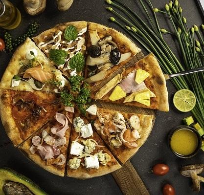 delicious pizza at 3 spoons of intercontinental hanoi landmark72 hanoi city hotel