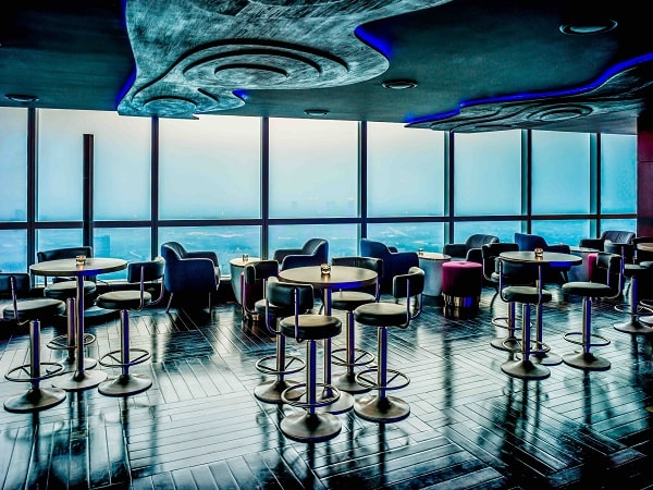 Hanoi hotel Q bar
