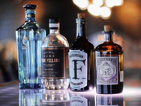 Hanoi hotel bar liquors