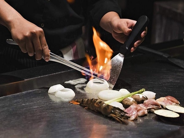 món nướng teppanyaki ở khách sạn tại Hà Nội