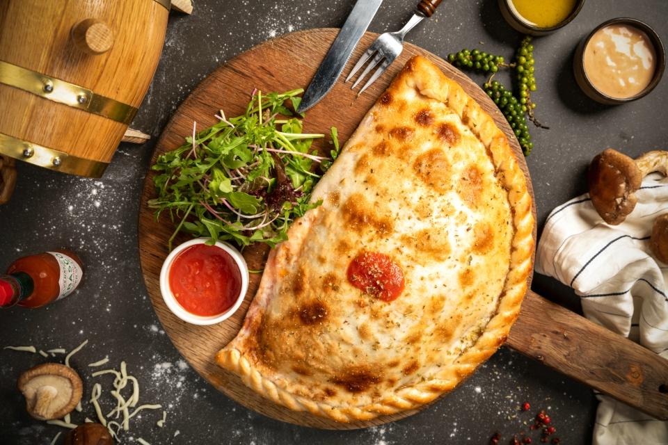 dat's calzone stone oven fire Italian margarita