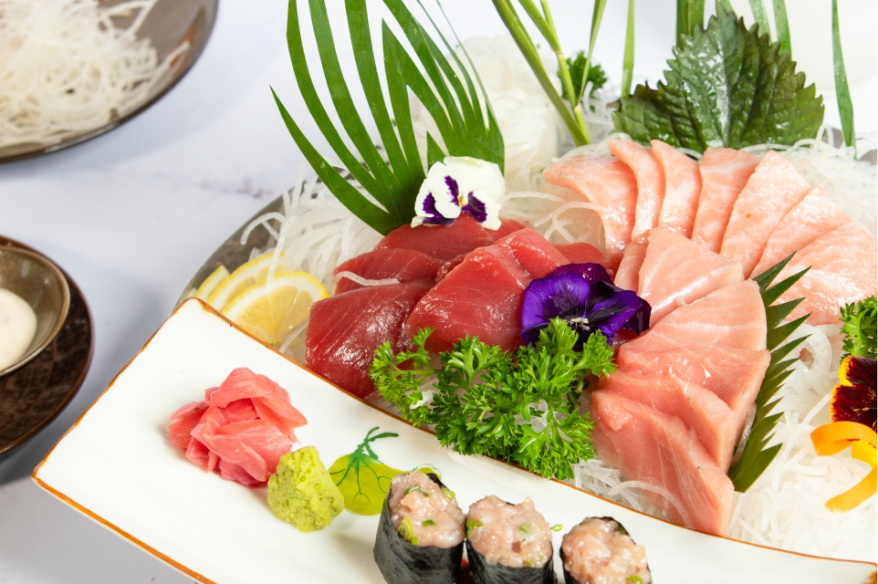 fresh bluefin tuna sashimi set 5-star hotel