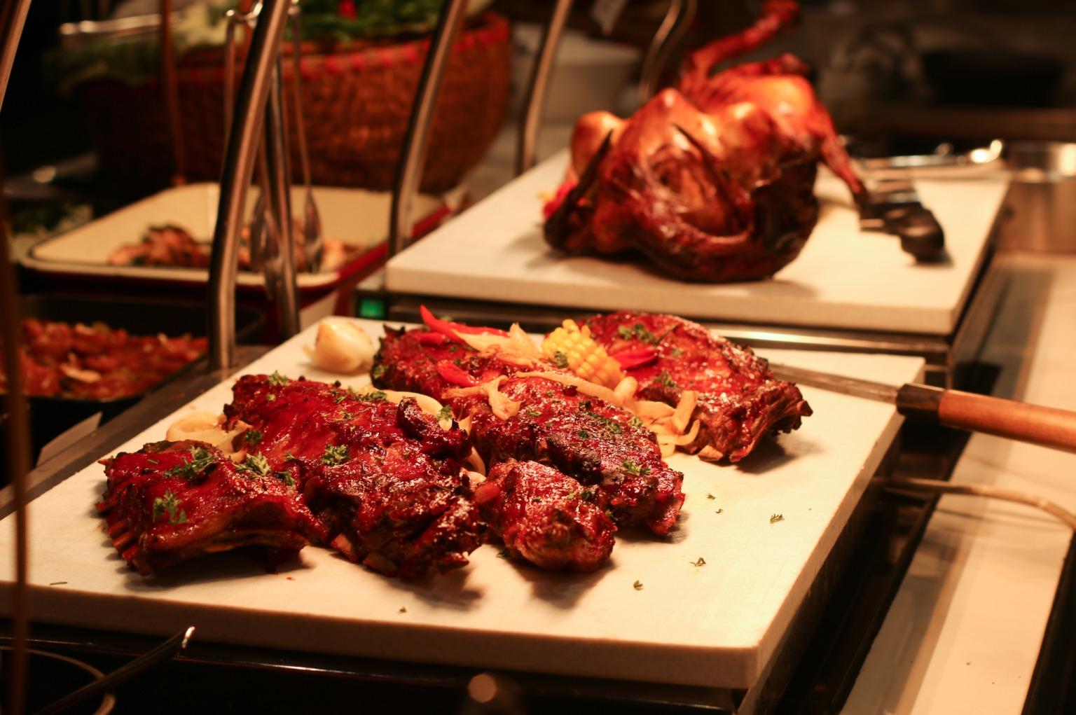 intercontinental hanoi buffet hải sản thịt nướng bbq