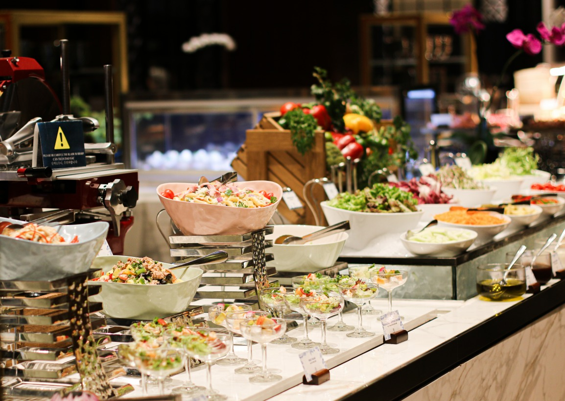 intercontinental hanoi hotel salad seafood buffet