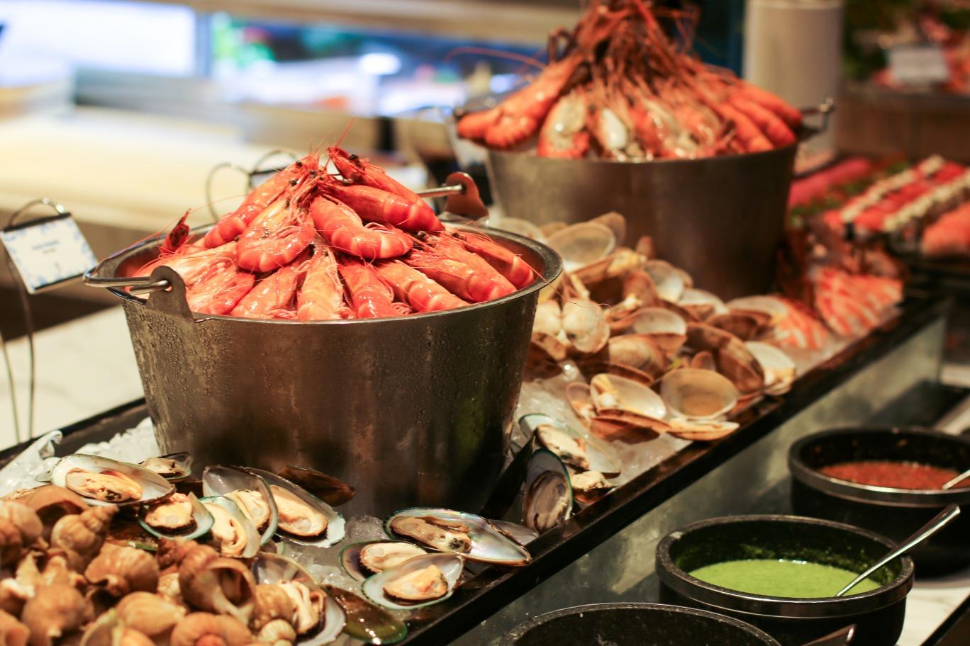 intercontinental hanoi hotel seafood buffet