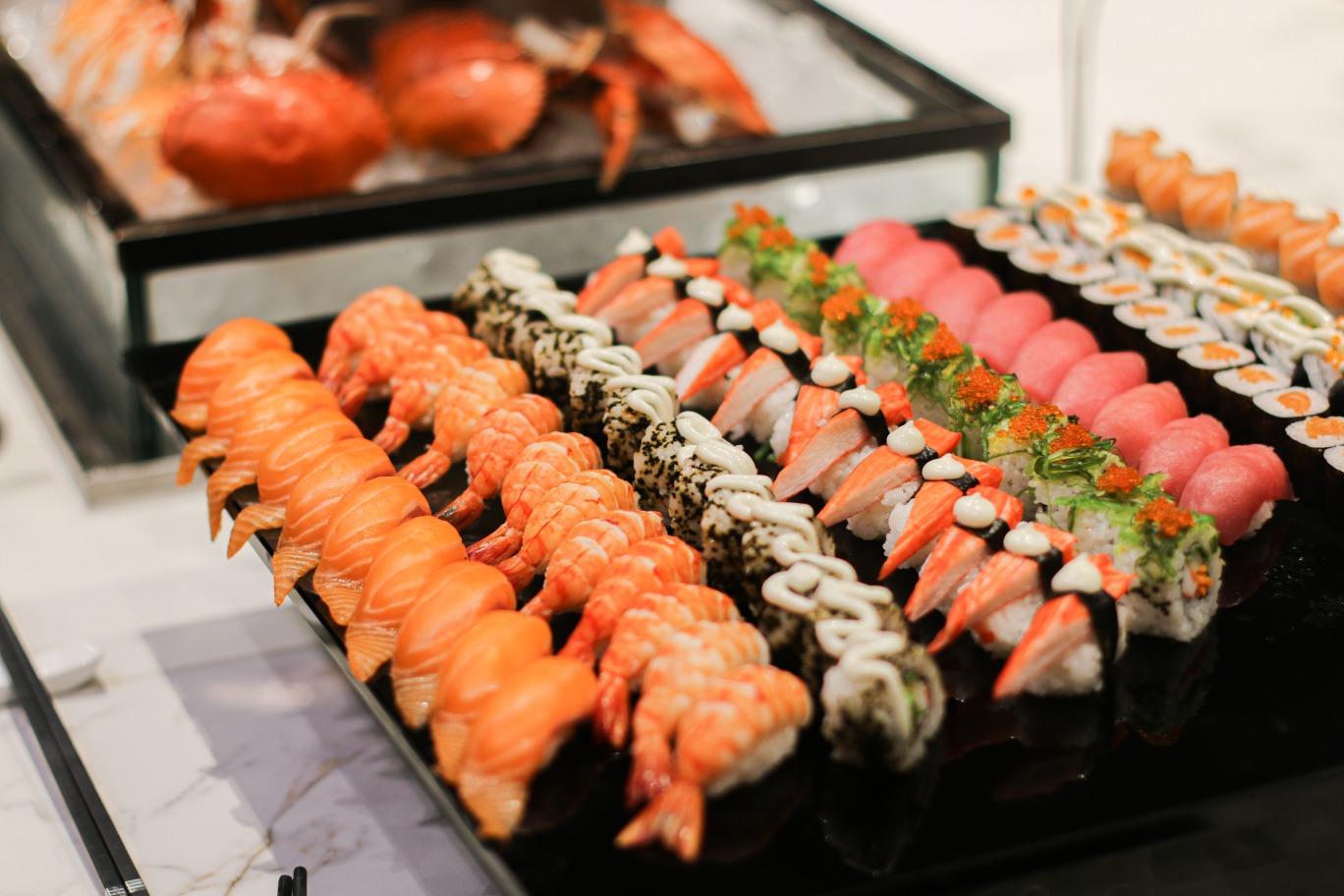intercontinental hanoi nhà hàng nhật sushi sashimi