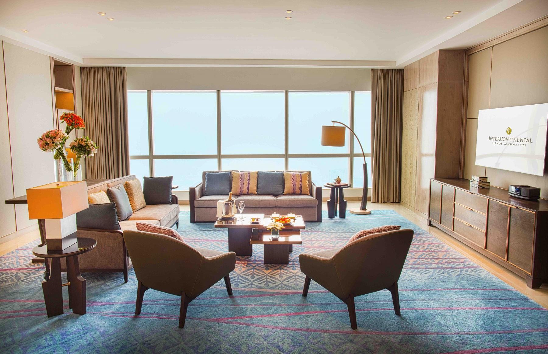 Hanoi luxury hotel Presidential Suite living room