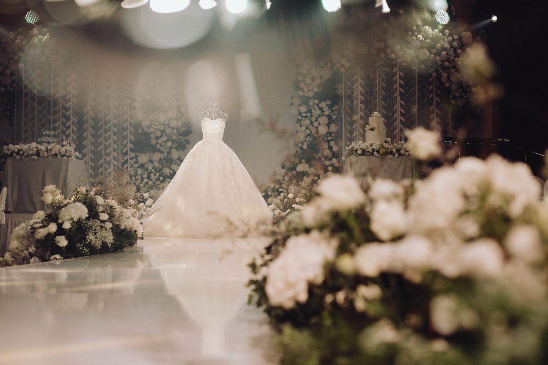 wedding gown at Hanoi hotel ballroom