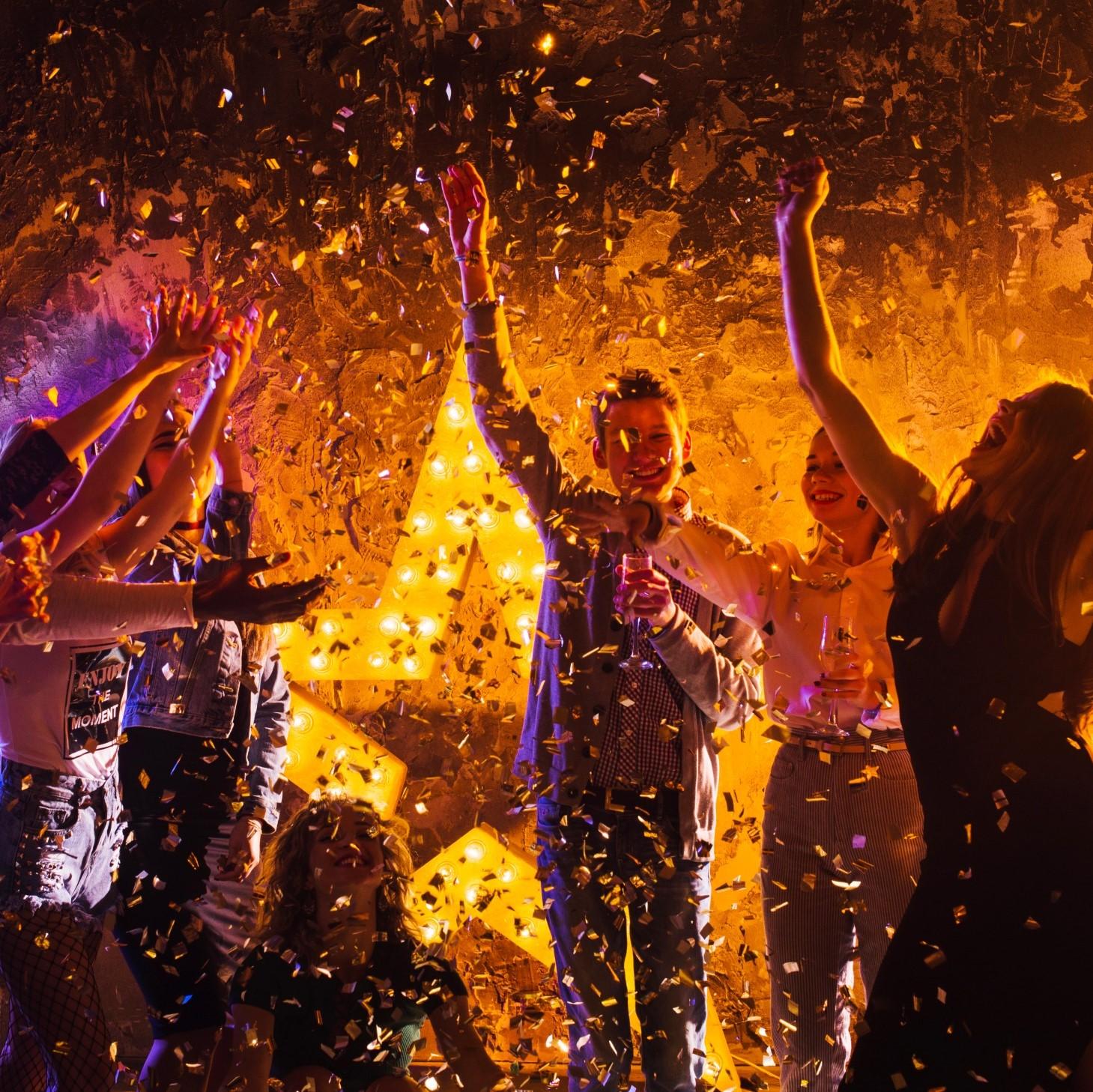 tiệc cuối năm doanh nghiệp tại khách sạn intercontinental hanoi landmark72
