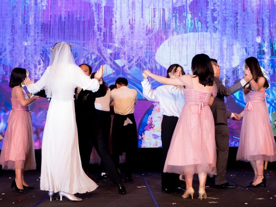 intercontinental hanoi slow dance