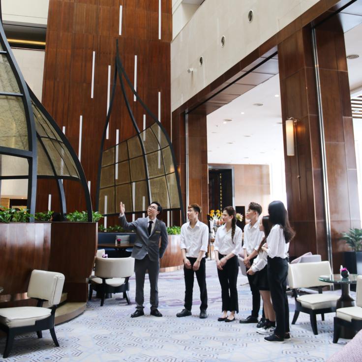 student hotel tour at intercontinental hanoi