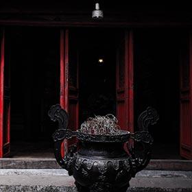 tham quan chùa Hà Nội