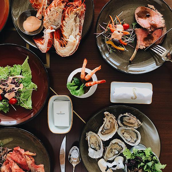 Buffet hải sản đặc biệt hàng tháng tại intercontinental hanoi landmark72 khách sạn 5 sao cao nhất Hà Nội
