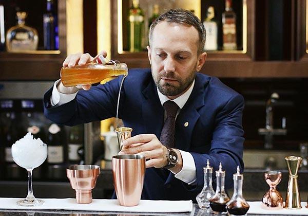 đồ uống cocktail tại intercontinental hanoi landmark72 khách sạn 5 sao cao nhất hà nội