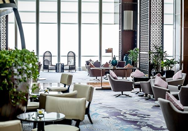 lobby lounge sang trọng tại intercontinental hanoi landmark72 khách sạn 5 sao cao nhất hà nội