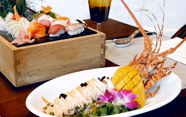 lobster and Japanese food at Hanoi 5-star hotel restaurant