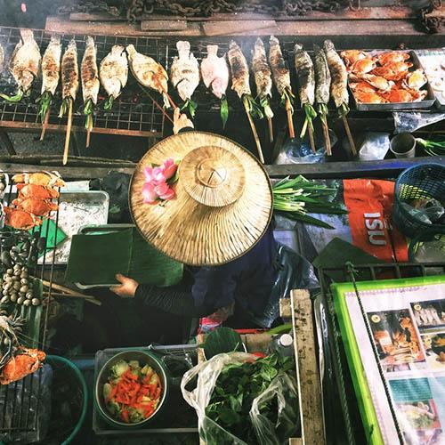 Hanoi street food around InterContinental Hanoi Landmark72