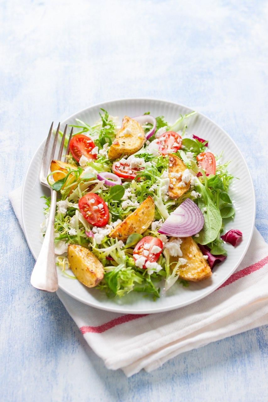 Bữa trưa khỏe mạnh với rau củ hữu cơ tại intercontinental hanoi landmark72 khách sạn 5 sao sang trọng cao nhất hà nội