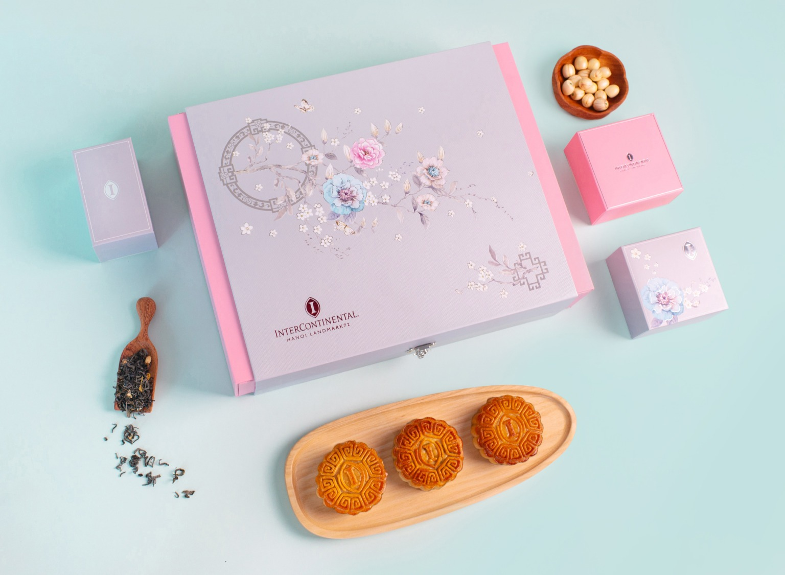 luxury mid-autumn festival gift for family, friends, business partners