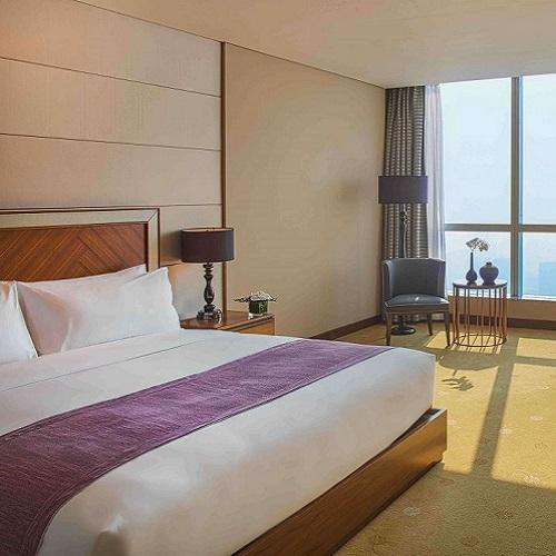 Phòng Club InterContinental tại intercontinental hanoi landmark72 khách sạn 5 sao với tiện nghi sang trọng, đặc quyền Club InterContinental và tầm nhìn toàn cành thành phố Hà Nội