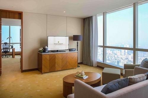 phòng corner suite sang trọng với tầm nhìn toàn cảnh hà nội tại intercontinental hanoi landmark72 khách sạn 5 sao cao nhất việt nam