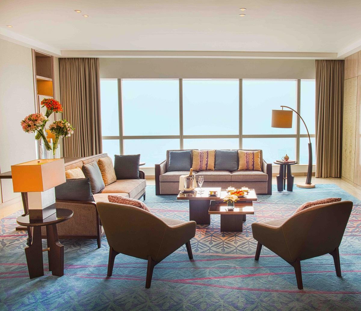 Phòng Presidential Suite tại intercontinental hanoi landmark72 khách sạn 5 sao với tiện nghi sang trọng, đặc quyền Club InterContinental và tầm nhìn toàn cành thành phố Hà Nội