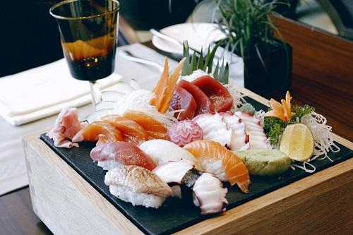 Ẩm thực Nhật, sushi, sashimi tại nhà hàng sang trọng khách sạn 5 sao cao nhất Hà Nội intercontinental hanoi landmark72