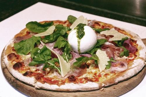 Pizza Ý và ẩm thực tinh tế tại nhà hàng khách sạn 5 sao sang trọng cao nhất Hà Nội intercontinental hanoi landmark72